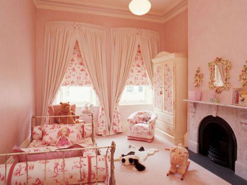 粉色壁纸搭配窗帘